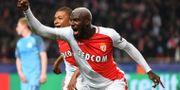Tiemoué Bakayoko jublar efter sitt 3–1-mål. PASCAL GUYOT / AFP