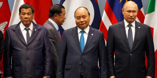 Rodrigo Duterte, Nguyen Xuan Phuc och Vladimir Putin under det pågående Asean-mötet. Bullit Marquez / TT NYHETSBYRÅN/ NTB Scanpix