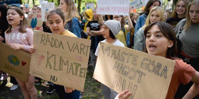 Demonstranter samlas i Humlegården.  Janerik Henriksson/TT / TT NYHETSBYRÅN