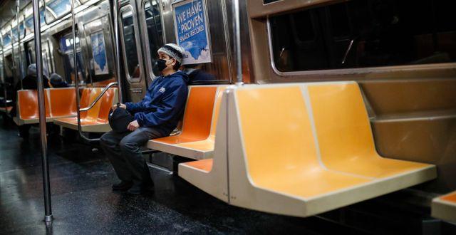 Barn på tunnelbanan i New York.  John Minchillo / TT NYHETSBYRÅN