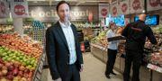 Axfoods vd Klas Balkow i en av bolagets Hemköp-butiker.  Malin Hoelstad/SvD/TT / TT NYHETSBYRÅN