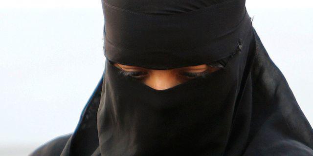 Arkivbild, kvinna i burka. Mahesh Kumar A. / TT / NTB Scanpix