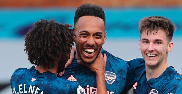Arsenalspelare jublar efter Aubameyangs mål. CLIVE ROSE / BILDBYRÅN