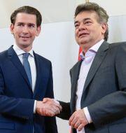 Sebastian Kurz och Werner Kogler. LISI NIESNER / TT NYHETSBYRÅN