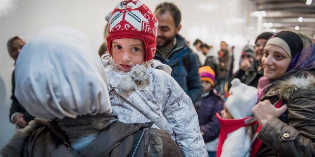 Regeringen backar om asylregler