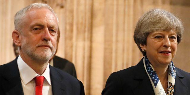 Jeremy Corbyn och Theresa May. Arkivbild.  Kirsty Wigglesworth / TT NYHETSBYRÅN/ NTB Scanpix