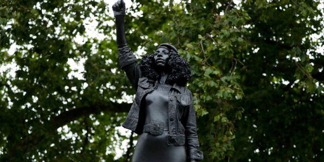 Den nya statyn. Matt Dunham / TT NYHETSBYRÅN