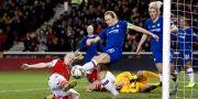 Chelseas Magdalena Eriksson rensar en boll framför målet i ligacupfinalen mot Arsenal i februari ANDREW BOYERS / BILDBYRÅN
