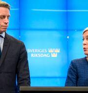 Per Bolund (MP) och Magdalena Andersson (S). Alexander Larsson Vierth/TT / TT NYHETSBYRÅN