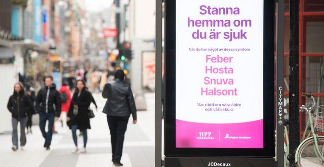 Illustrationsbild: Glest med folk på Drottninggatan i centrala Stockholm. Fredrik Sandberg/TT / TT NYHETSBYRÅN
