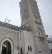Macron vid talet igår. Grand Mosque i Paris. TT