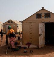Kvinnor och barn i Kaya-lägret.  Sophie Garcia / TT NYHETSBYRÅN