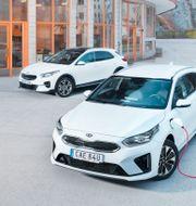 Marknaden för elektrifierade bilar kan kännas snårig vid en första anblick. Vad är egentligen skillnaden mellan en elbil och plug-in hybrid? Simon Hamelius
