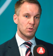 Erik Slottner (KD)/Person på äldreboende.  TT