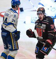 Emil Larsson avgjorde matchen. Pontus Lundahl/TT / TT NYHETSBYRÅN