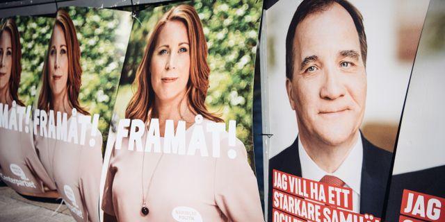 Annie Lööfs och Stefan Löfvens valaffischer. Erik Simander/TT / TT NYHETSBYRÅN