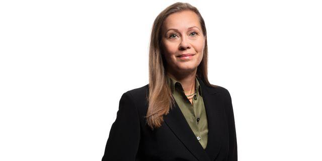 Catharina Bäck, försäkringsexpert på Svenskt Näringsliv. Ernst Henry Photography