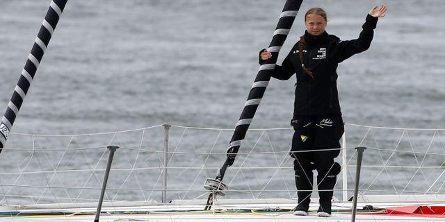 Greta Thunbergs segelbåt lägger ut. HENRY NICHOLLS / TT NYHETSBYRÅN
