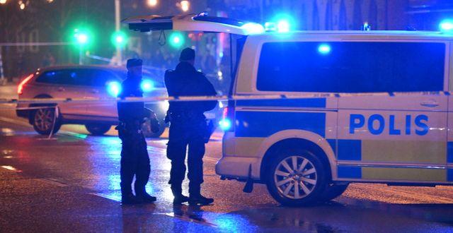 Polisen på platsen för en skottlossning i Malmö. Johan Nilsson/TT / TT NYHETSBYRÅN