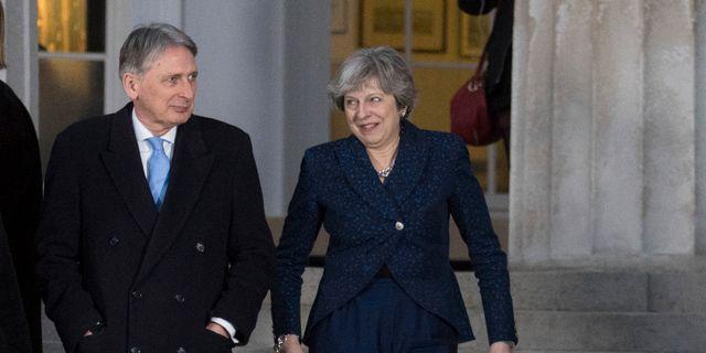 Philip Hammond och Theresa May (arkivbild) Stefan Rousseau / TT / NTB Scanpix