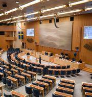 Riksdagen väntas rösta ja till paketet. Ali Lorestani/TT / TT NYHETSBYRÅN
