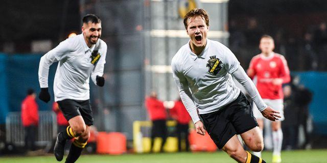 AIK:s Saku Ylätupa jublar efter 1-0 under Svenska Cupen-mötet med Kalmar den 9 mars. MAXIM THORE / BILDBYRÅN