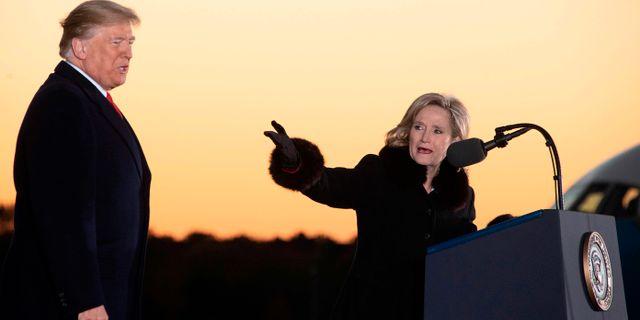 Donald Trump och republikanen Cindy Hyde-Smith. JIM WATSON / AFP