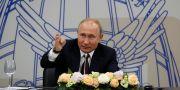 Putin i S:t Petersburg på fredagen. GRIGORY DUKOR / TT NYHETSBYRÅN