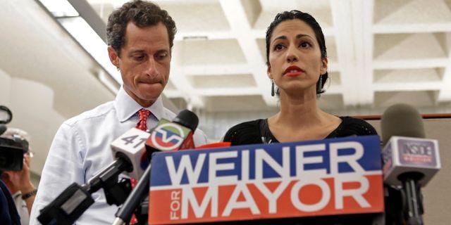 Anthony Weiner och Huma Abedin, 2013. Kathy Willens / TT / NTB Scanpix