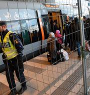 Arkivbild/Flyktingar kliver av tåget i Malmö i januari 2016. Johan Nilsson/TT / TT NYHETSBYRÅN