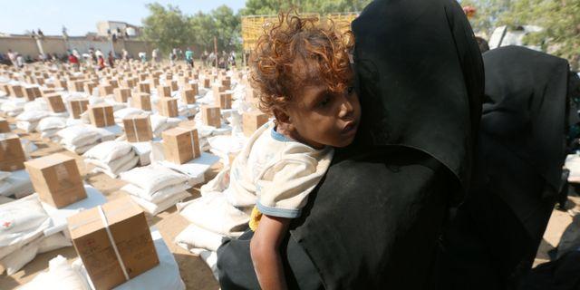 Humanitärt bistånd anländer till Bajil i Jemen på torsdagen, 13 december.  ABDULJABBAR ZEYAD / TT NYHETSBYRÅN