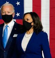 Joe Biden och Kamala Harris under sitt första publika framträdande tillsammans.  Carolyn Kaster / TT NYHETSBYRÅN
