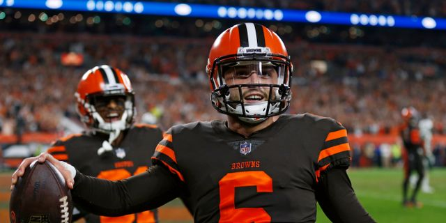 Browns quarterback Baker Mayfield jublar. Ron Schwane / TT NYHETSBYRÅN/ NTB Scanpix