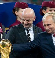Fifa:s president Gianni Infantino och Rysslands president Vladimir Putin under VM-finalen 2018. Svein Ove Ekornesvåg / TT NYHETSBYRÅN