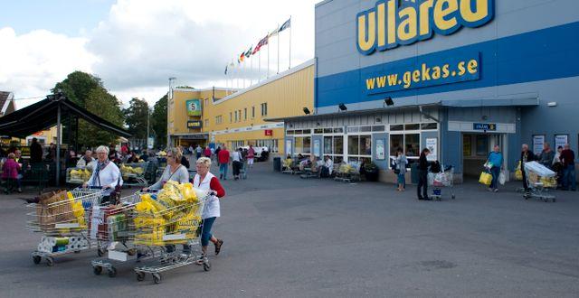 """Trångt på Gekås Ullared – """"omöjligt att hålla avstånd"""""""