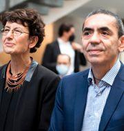 Ozlem Tureci, chefen för medicinteknik och Ugur Sahin, vd för Biontech. Federico Gambarini / TT NYHETSBYRÅN