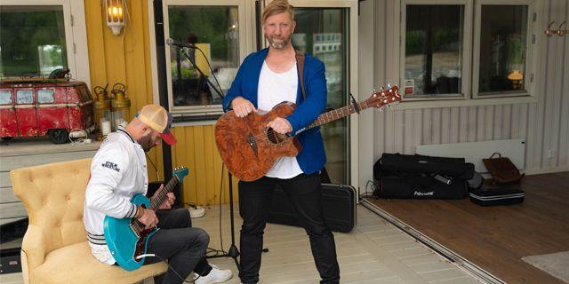 """""""Det är otroligt enkelt och smidigt att kunna fakturera och få betalt på språng,"""" säger Daniel Fridström som har nya kunder varje vecka.  DICOPAY"""