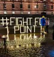 Fridays for Future anordnade en ljusmanifestation under fredagen utanför riksdagen.  Jonas Ekströmer/TT / TT NYHETSBYRÅN