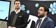 Sverigedemokraternas partiledare Jimmie Åkesson och Oscar Sjöstedt, ekonomisk-politisk talesperson.  Claudio Bresciani/TT / TT NYHETSBYRÅN