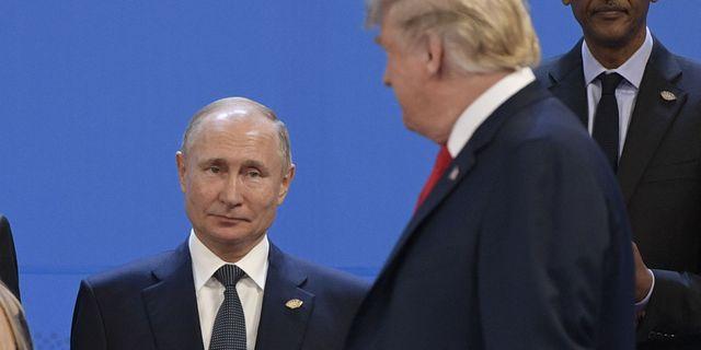 Vladimir Putin och Donald Trump under mötet 30 nocvember 2018.  JUAN MABROMATA / AFP