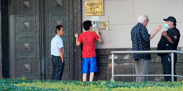 Bild från Kinas stängda konsultat i Houston, Texas, USA. David J. Phillip / TT NYHETSBYRÅN