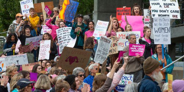 Demonstranter mot hårdare abortlagar. Arkivbild. Chris Pietsch / TT NYHETSBYRÅN/ NTB Scanpix
