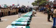 Begravning för de dödade barnen.  Naif Rahma / TT NYHETSBYRÅN