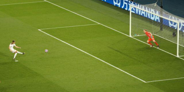 Janine Beckie missar straffen i VM-åttondelsfinalen – Hedvig Lindahl stod i vägen. LUCY NICHOLSON / BILDBYRÅN