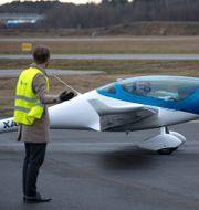 Det tjeckiska planet Onix har visats upp på Bromma flygplats men även från svenskt håll utvecklas en modell. Anders Wiklund/TT / TT NYHETSBYRÅN