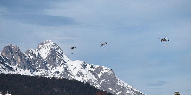 Helikoptrar i Seefeld under skid-VM.  CH. KELEMEN / BILDBYRÅN