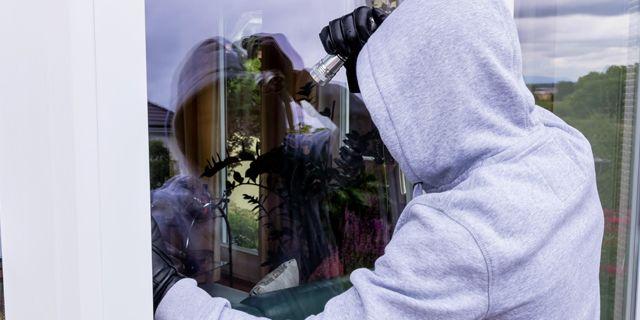 Över fem tusen människor anmälde att de utsatts för inbrott under november och december förra året. COLOURBOX