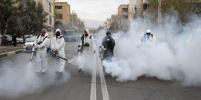 Brandmän i Teheran rengör gator. Illustrationsbild. Wana News Agency / TT NYHETSBYRÅN