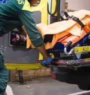 Arkivbilder: Ambulansvårdare/Turister i Visby. TT