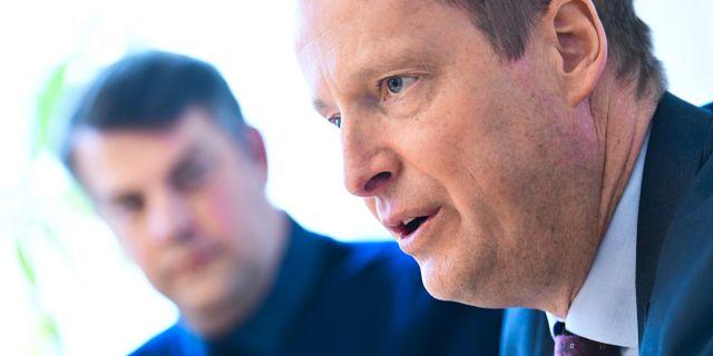 Malmös kommunalråd Andreas Schönström (S) och Anders Ygeman (S) presenterade på måndagen åtgärder för ett nationellt avhopparprogram.  Johan Nilsson/TT / TT NYHETSBYRÅN